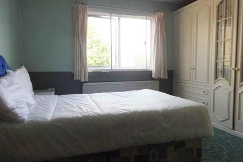 5 bedroom house to rent - St Clement Close, Uxbridge, Middlesex