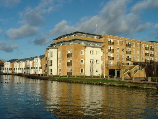 2 Bedrooms Flat for sale in Ovaltine Court, Kings Langley
