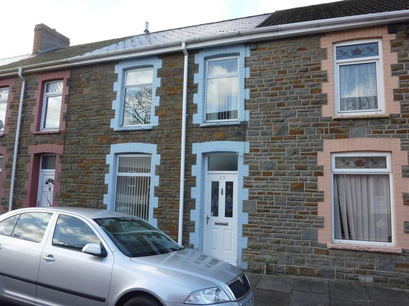 3 Bedrooms Terraced House for sale in Tylcha Fach Terrace, TONYREFAIL CF39 8BB