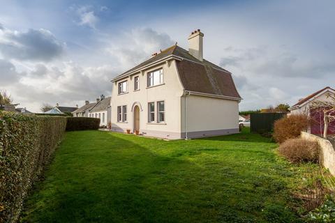 4 bedroom detached house for sale - Pleinheaume House, Vale, Guernsey