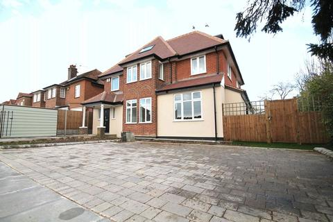 3 bedroom ground floor flat to rent - Edgwarebury Lane, EDGWARE, Middlesex, HA8 8LY