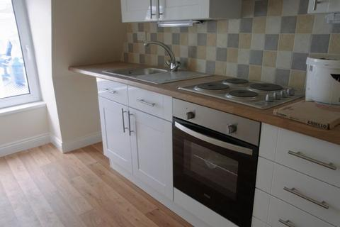 Apartment to rent - UPPER FLOOR FLAT IN PAIGNTON TOWN CENTRE,