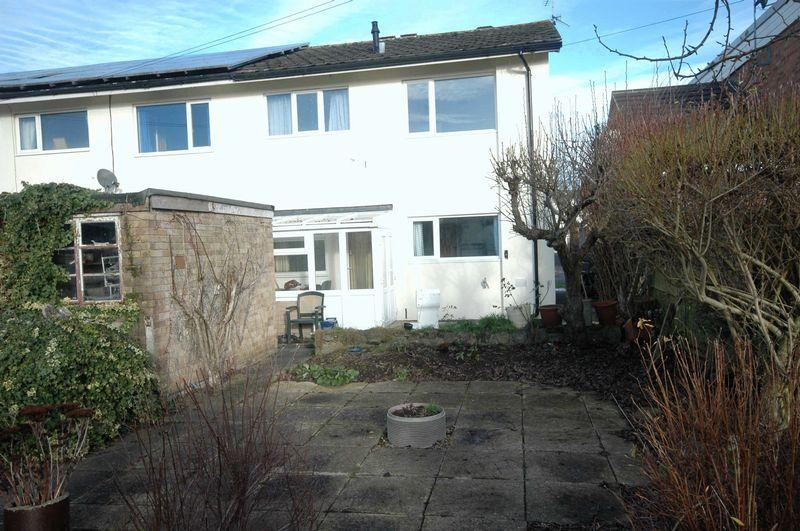 3 Bedrooms Semi Detached House for sale in Kings Fee, Monmouth