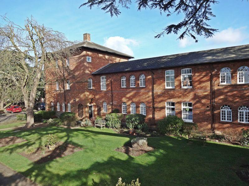 2 Bedrooms Apartment Flat for sale in The Cedars, Ampthill