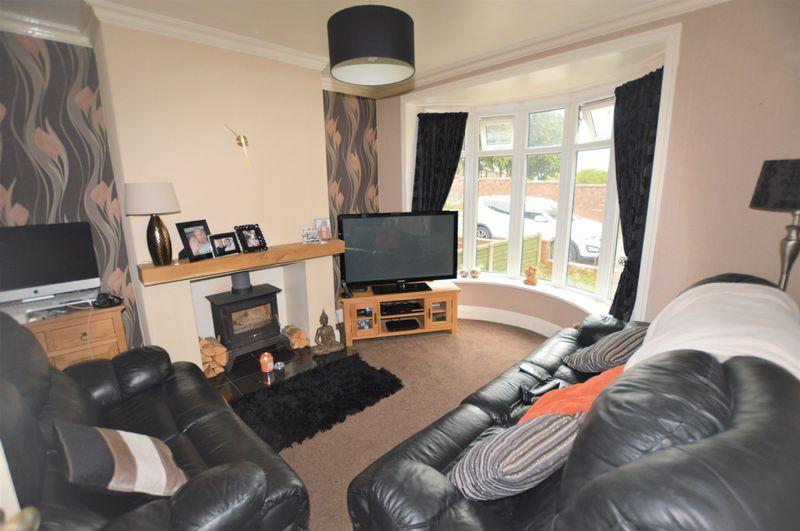 3 Bedrooms Semi Detached House for sale in Edmund Street, Rochdale