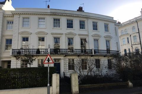2 bedroom maisonette to rent - Montpelier Crescent, Brighton, East Sussex.