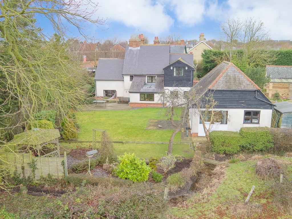 4 Bedrooms Detached House for sale in High Road, Shillington, Hitchin, SG5