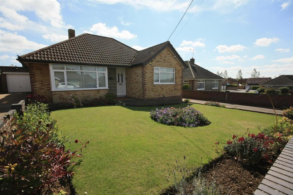 3 Bedrooms Detached Bungalow for sale in Weavills Road, Bishopstoke, Eastleigh