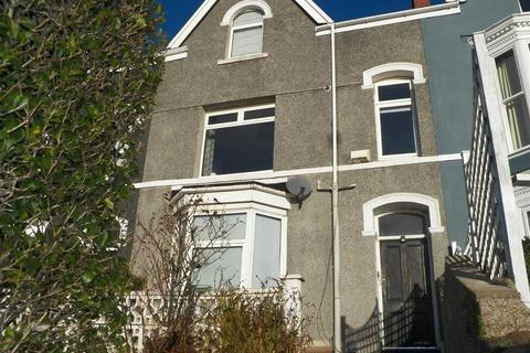 2 bedroom flat for sale - Richmond Road, Uplands