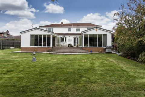 6 bedroom detached house for sale - Prospect Lane, Birkenshaw, West Yorks