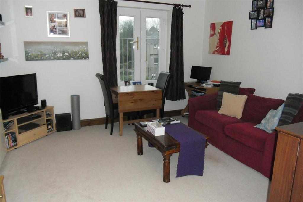 2 Bedrooms Apartment Flat for sale in Pembroke Street, Pembroke Dock