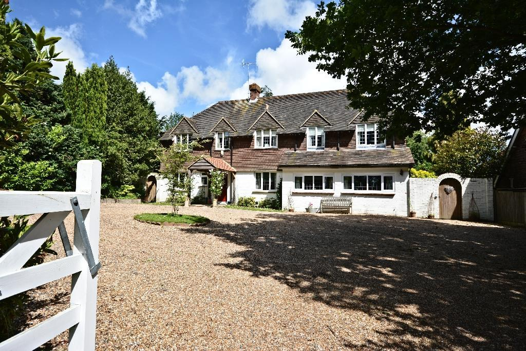 5 Bedrooms Detached House for sale in Balcombe Green, Sedlescombe