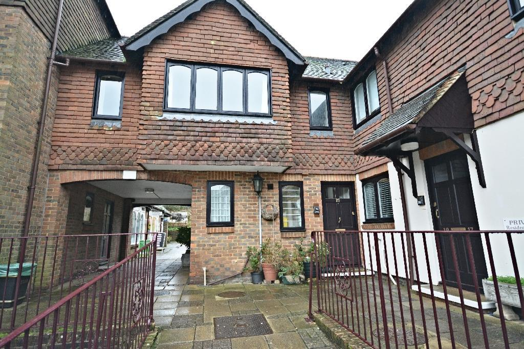 1 Bedroom Apartment Flat for sale in St. Martins Way, Battle