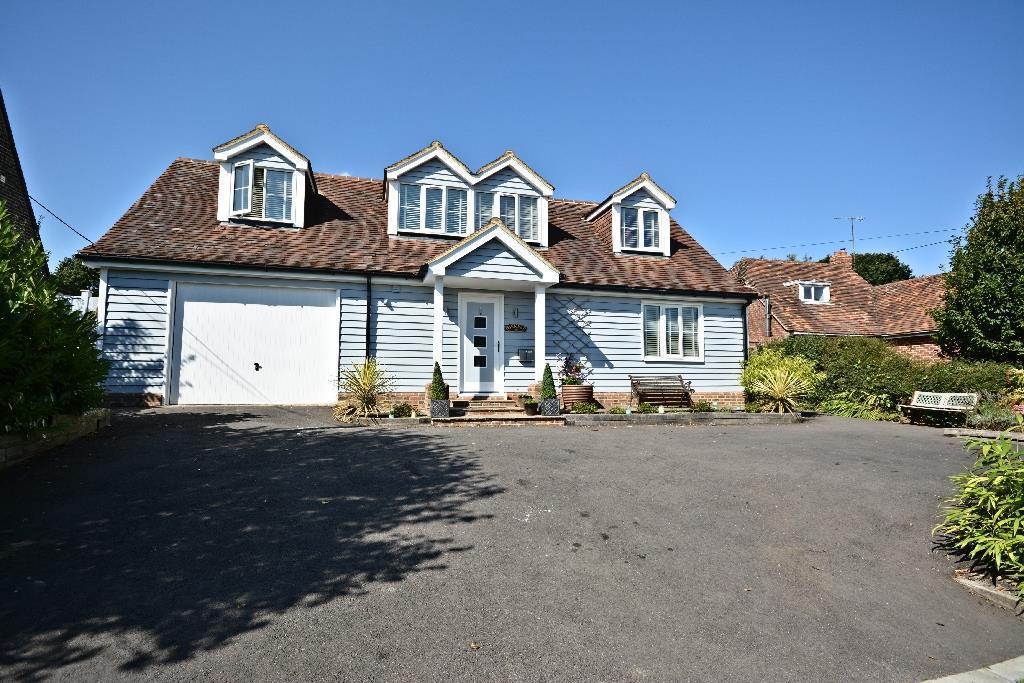 4 Bedrooms Detached House for sale in Mountfield, Robertsbridge