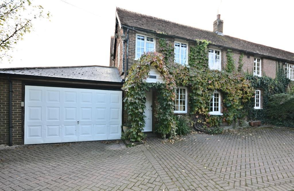4 Bedrooms Semi Detached House for sale in Moons Hill, Ninfield