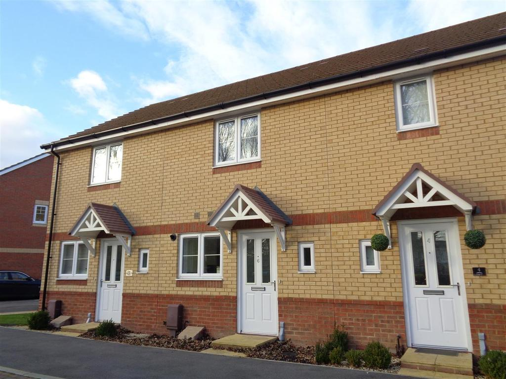 2 Bedrooms Terraced House for sale in Adlington Gardens, Bognor Regis