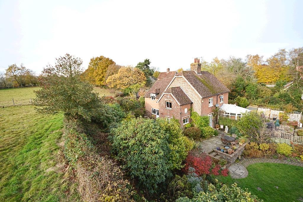 3 Bedrooms Semi Detached House for sale in Stream Lane Hawkhurst, Cranbrook