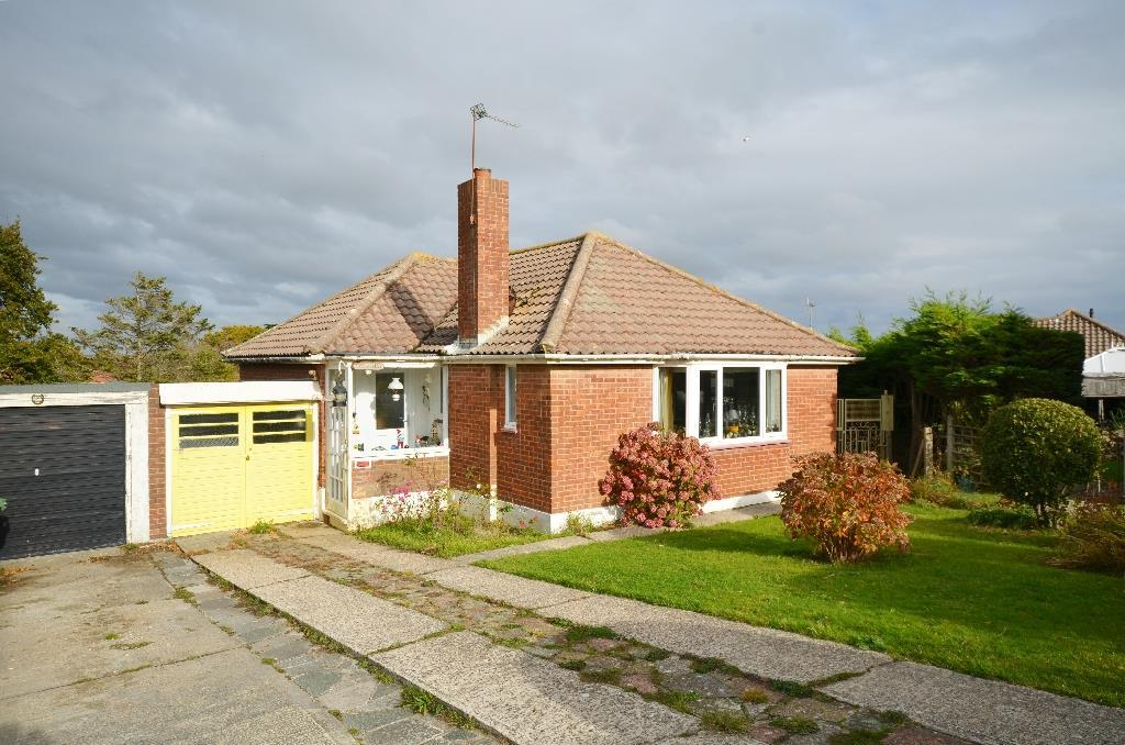 2 Bedrooms Bungalow for sale in Blackthorn Way, Fairlight