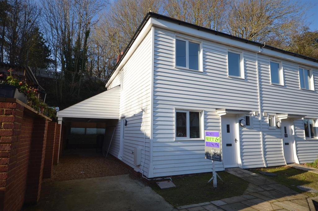 3 Bedrooms Semi Detached House for sale in Military Road, Rye