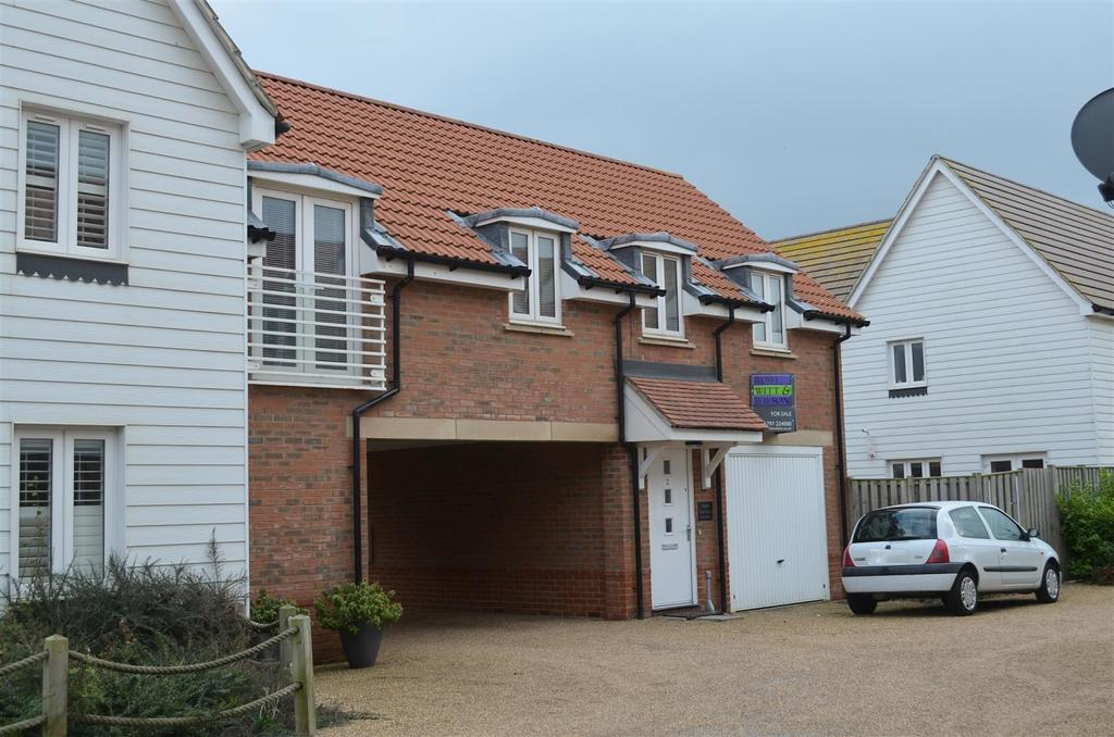 2 Bedrooms Flat for sale in Sea Holly Walk, Camber