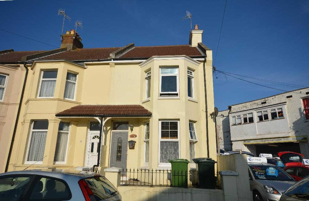 3 Bedrooms Semi Detached House for sale in Reginald Road, Bexhill-On-Sea