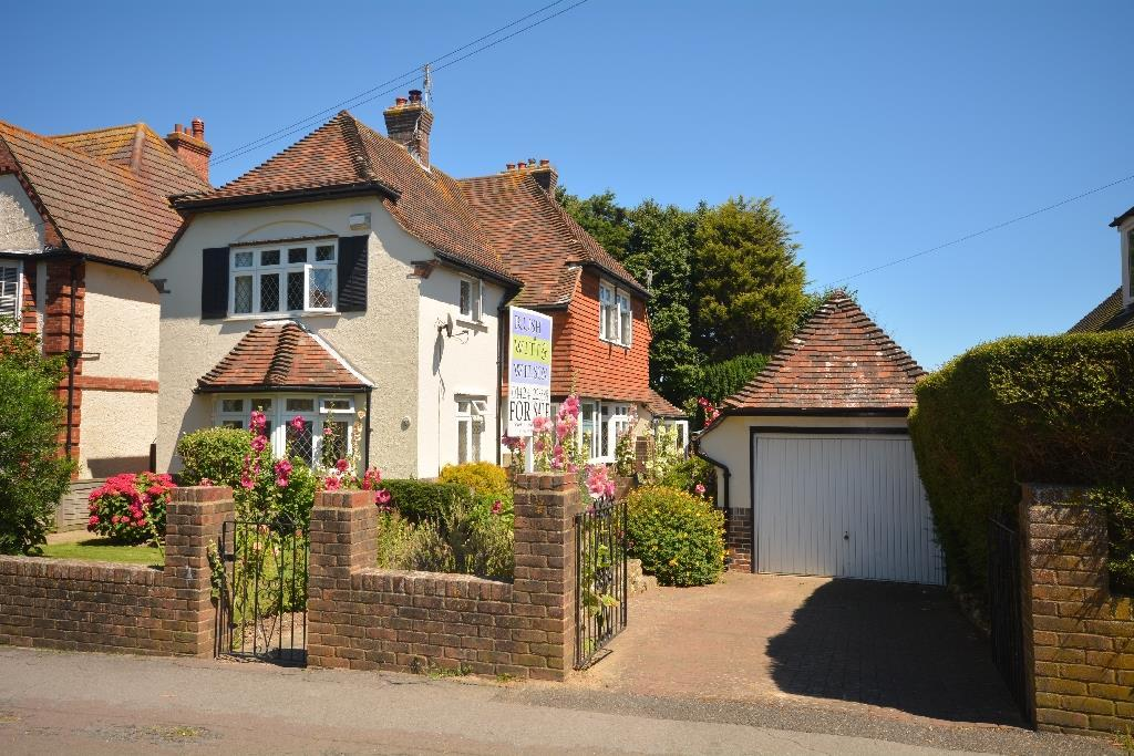 4 Bedrooms Detached House for sale in Sutherland Avenue, Bexhill-On-Sea