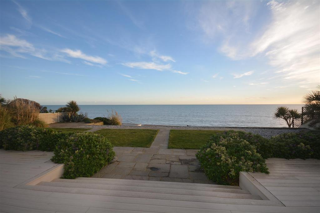 5 Bedrooms Detached House for sale in Beaulieu Road, Bexhill-On-Sea