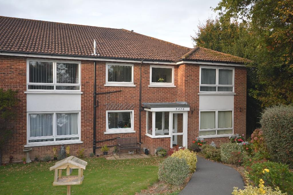 2 Bedrooms Flat for sale in The Grove, Bexhill-On-Sea