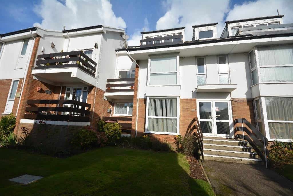 2 Bedrooms Flat for sale in Pinewoods, Bexhill-On-Sea