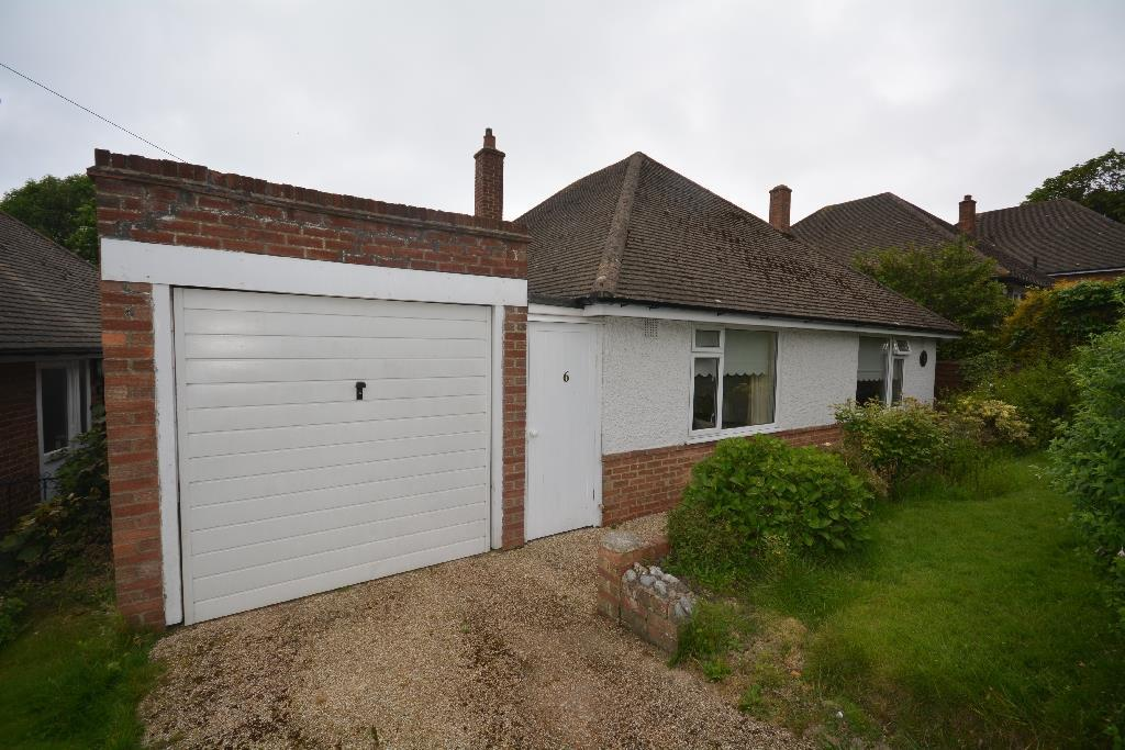 3 Bedrooms Bungalow for sale in Claxton Road, Bexhill-On-Sea