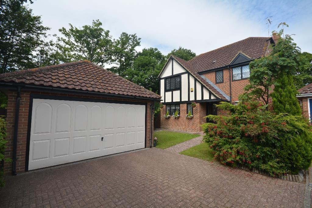 4 Bedrooms Detached House for sale in Robin Hill, Bexhill on Sea