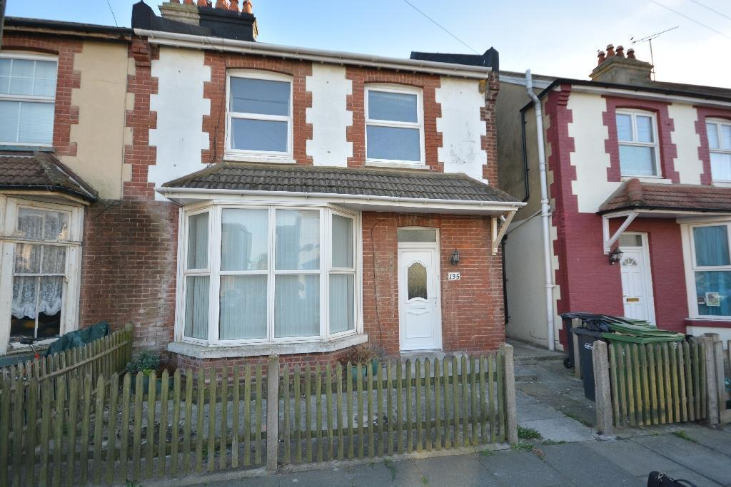 3 Bedrooms Semi Detached House for sale in Bulverhythe Road, St. Leonards-On-Sea