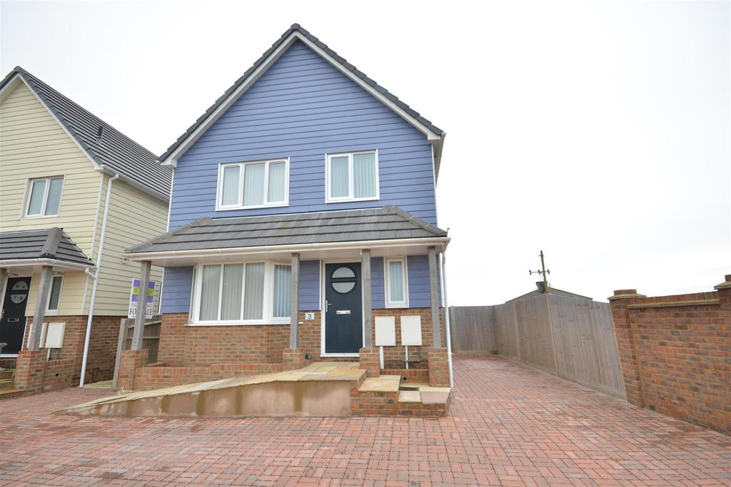 3 Bedrooms Detached House for sale in Amsterdam Way, St Leonards On Sea