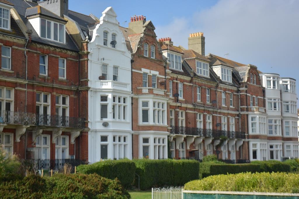 1 Bedroom Flat for sale in Grosvenor Gardens, St. Leonards-On-Sea