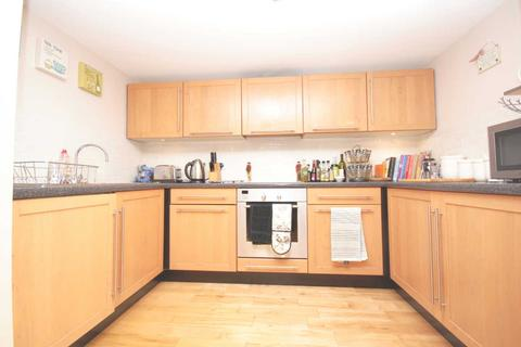 2 bedroom maisonette to rent - Cormont Road SE5