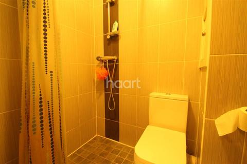 3 bedroom flat to rent - Chruch Road