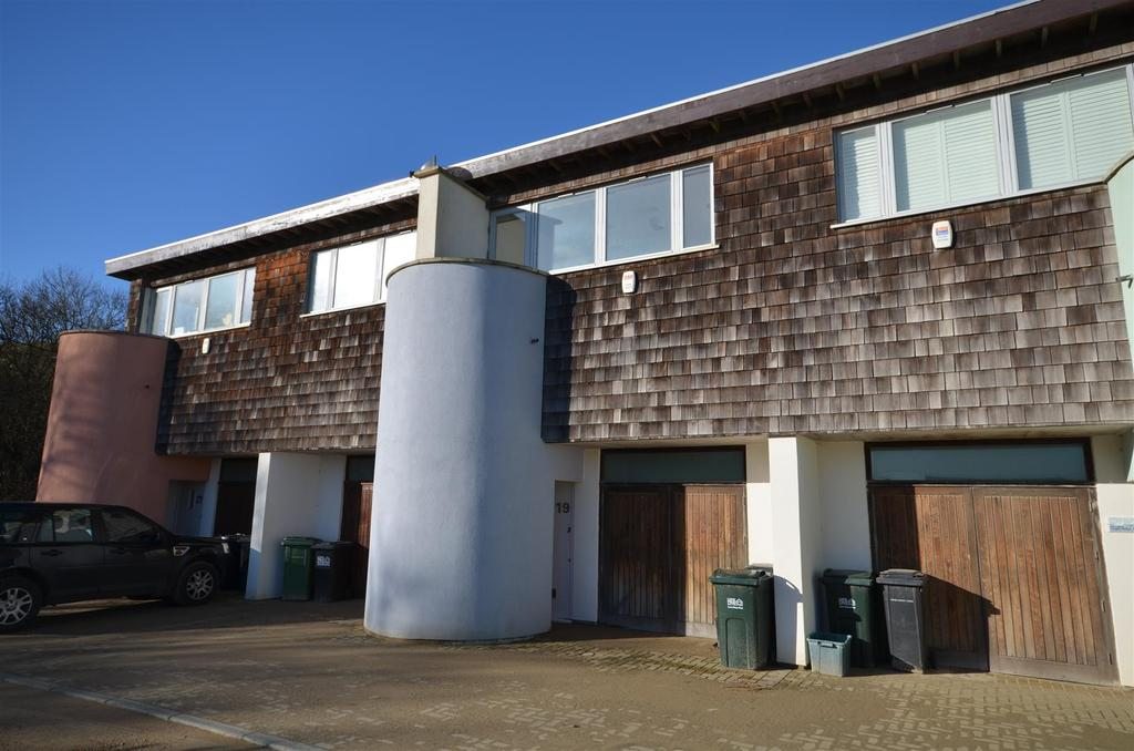 2 Bedrooms House for sale in Royal William Square, Camber