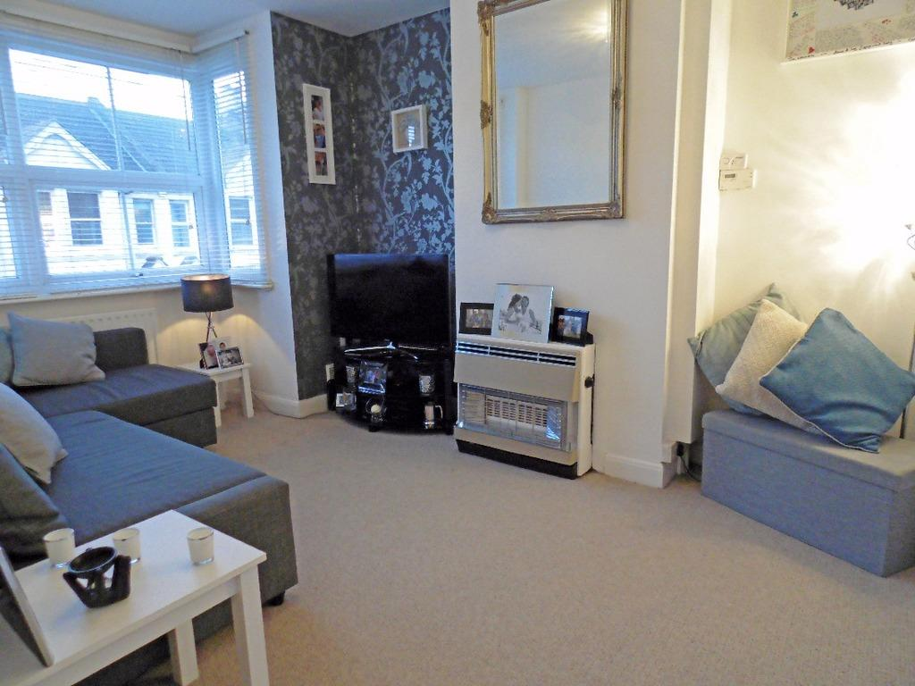 2 Bedrooms Flat for sale in St Leonards Avenue Hove East Sussex BN3