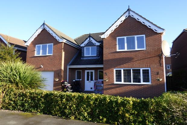 5 Bedrooms Detached House for sale in Martin Close, Louth, LN11