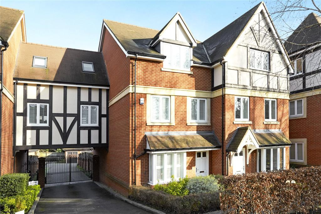 4 Bedrooms Terraced House for sale in Baily Gardens, Wray Common Road, Reigate, Surrey, RH2