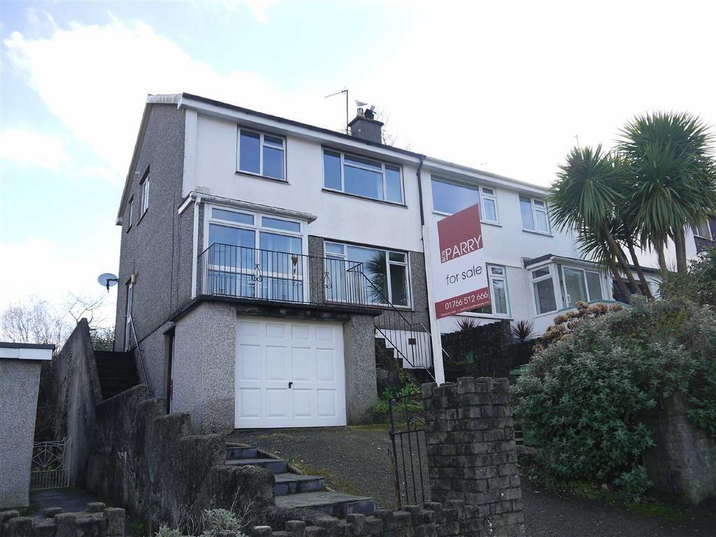 3 Bedrooms Semi Detached House for sale in Morfa Lodge, Porthmadog, Gwynedd