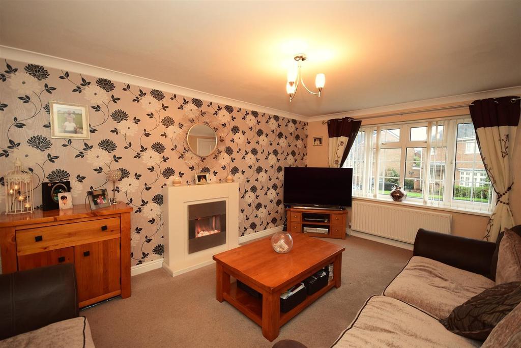 5 Bedrooms Detached House for sale in Bishops Way, Chaplegarth, Sunderland