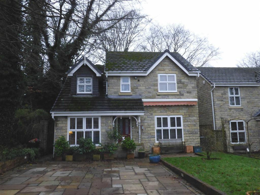3 Bedrooms Detached House for sale in Brooklands Drive, Glossop, Derbyshire, SK13