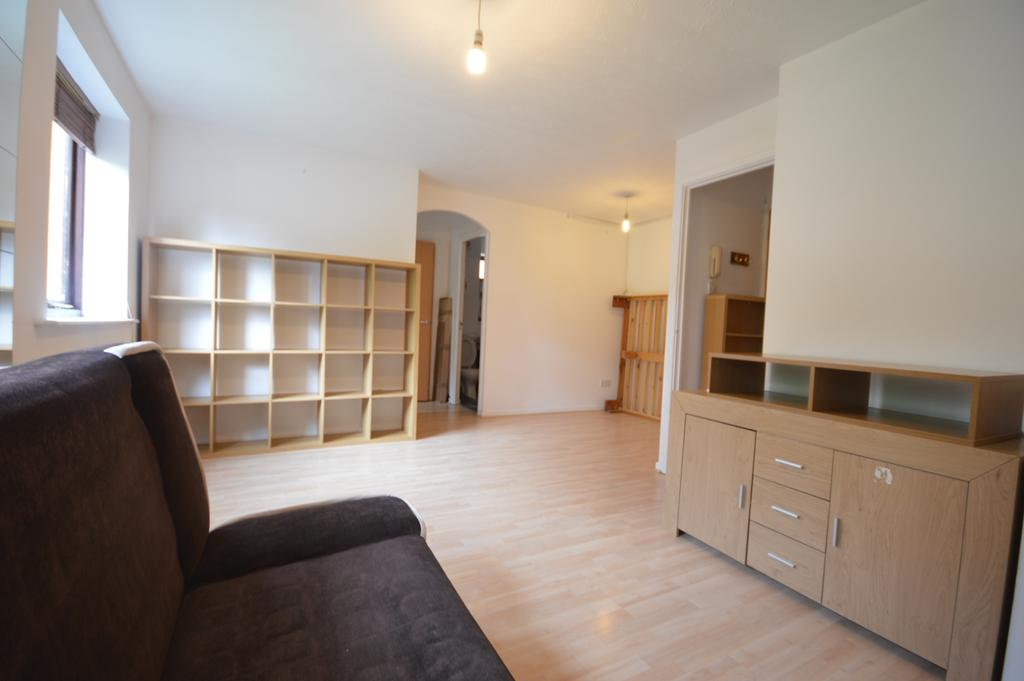 Studio Flat for sale in Cumberland Place Catford SE6
