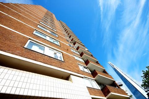 2 bedroom flat to rent - Kipling Estate London SE1