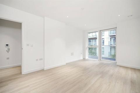 1 bedroom flat to rent - Skyline Apartments, Devan Grove, London