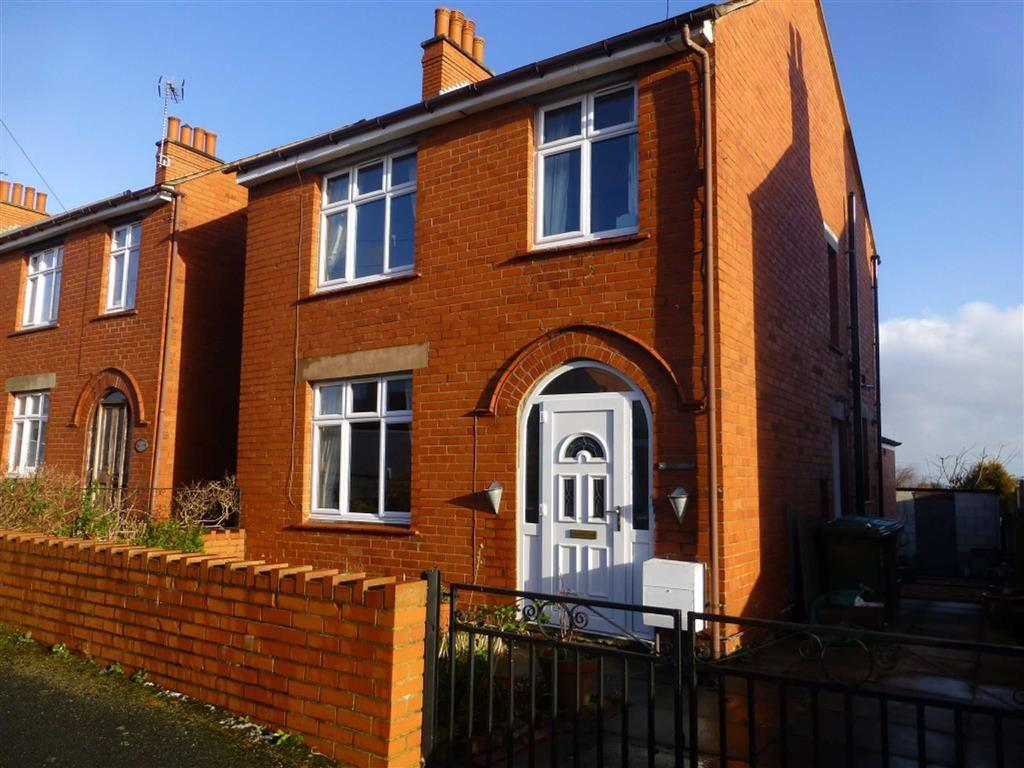 3 Bedrooms Detached House for sale in Park Road, Wrexham