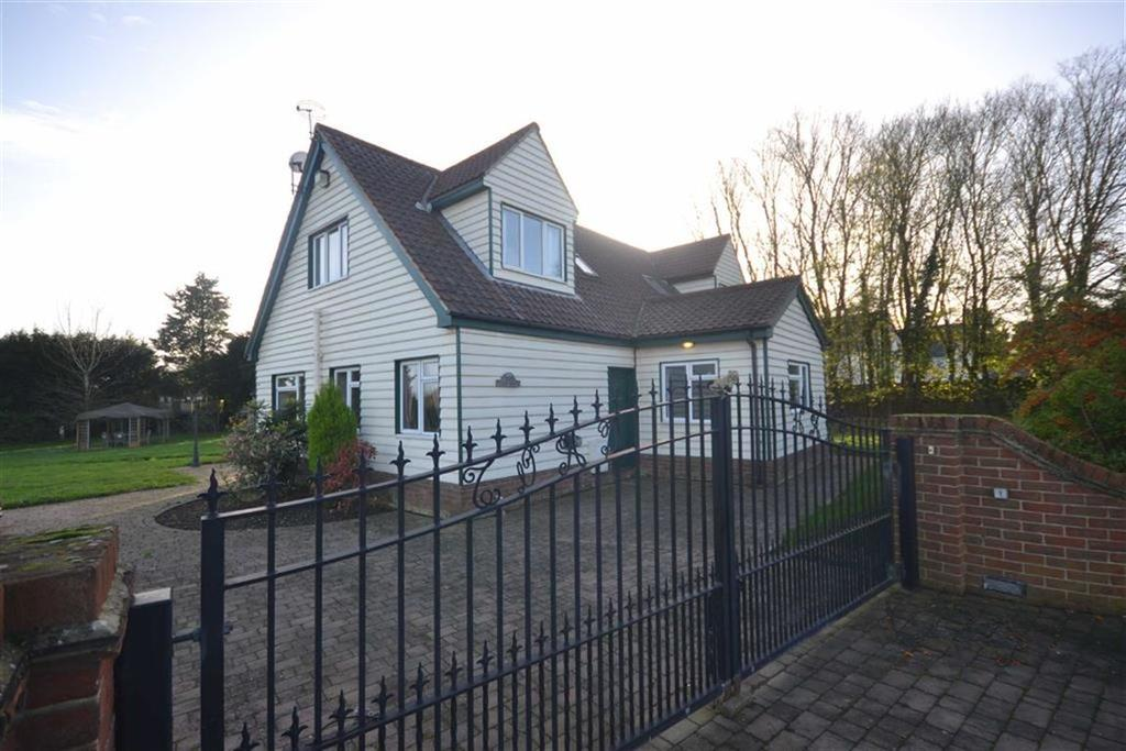 3 Bedrooms Detached House for sale in Station Road, Chelmsford