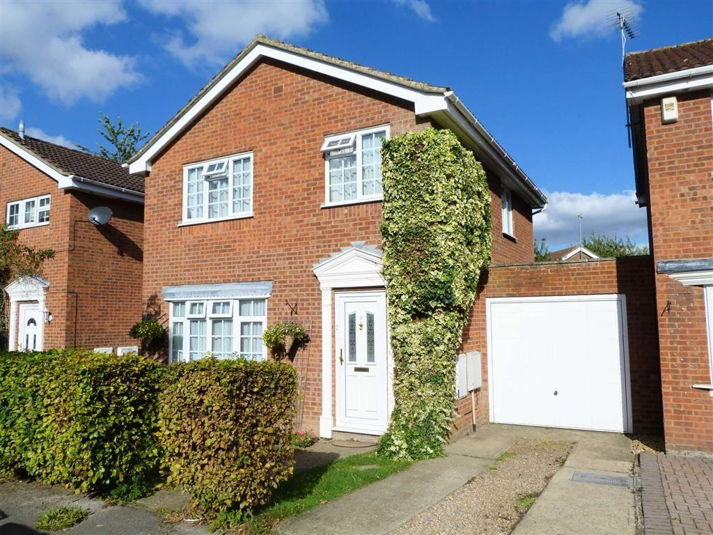 3 Bedrooms Detached House for sale in Sylvandale, Welwyn Garden City