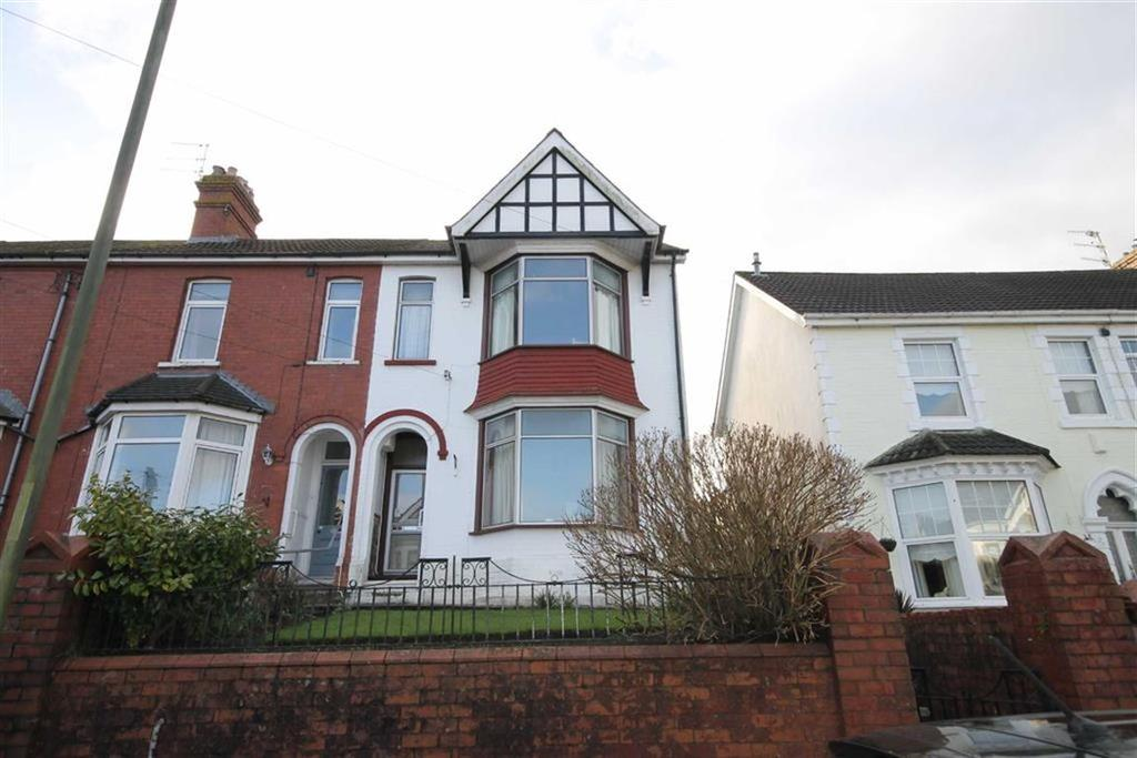 3 Bedrooms End Of Terrace House for sale in St Martins Road, Caerphilly, CF83